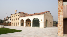 View of the restored Venetian Villa with thermally broken bronze windows and doors