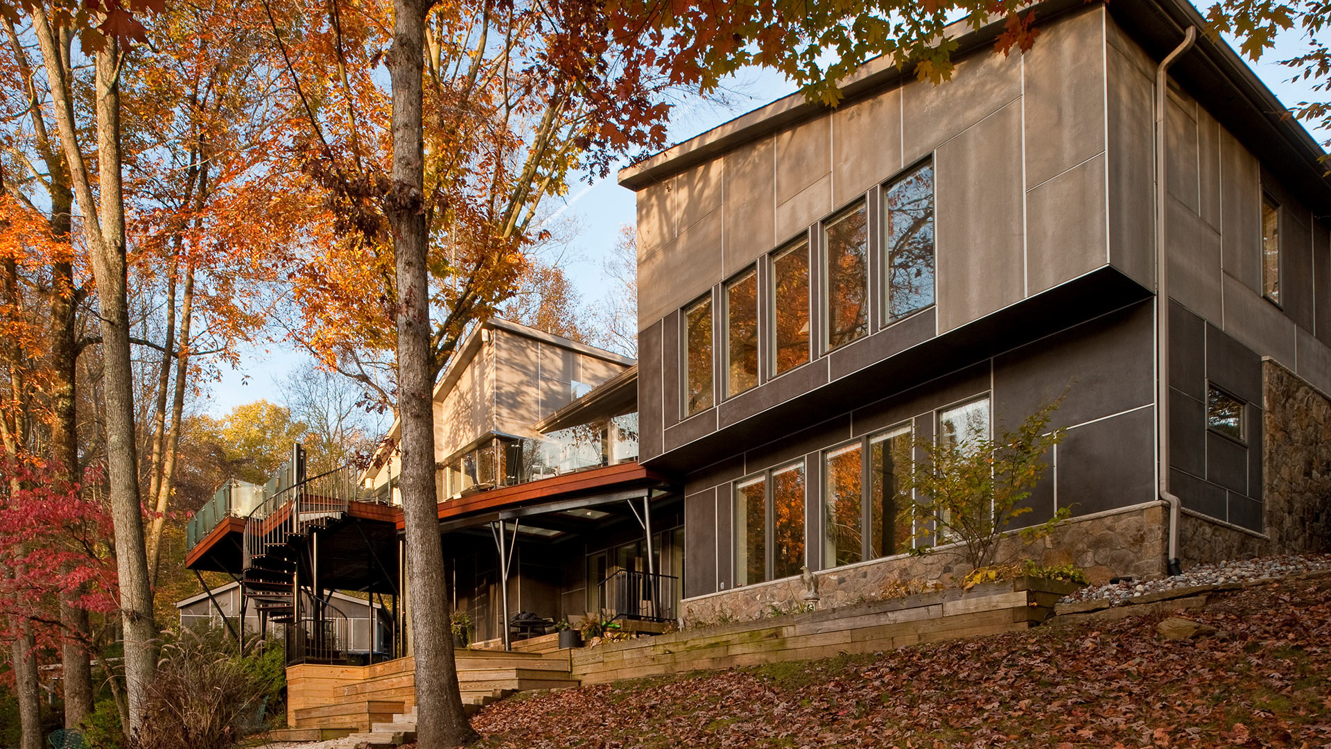 House renovation: view of the house and its steel windows and doors