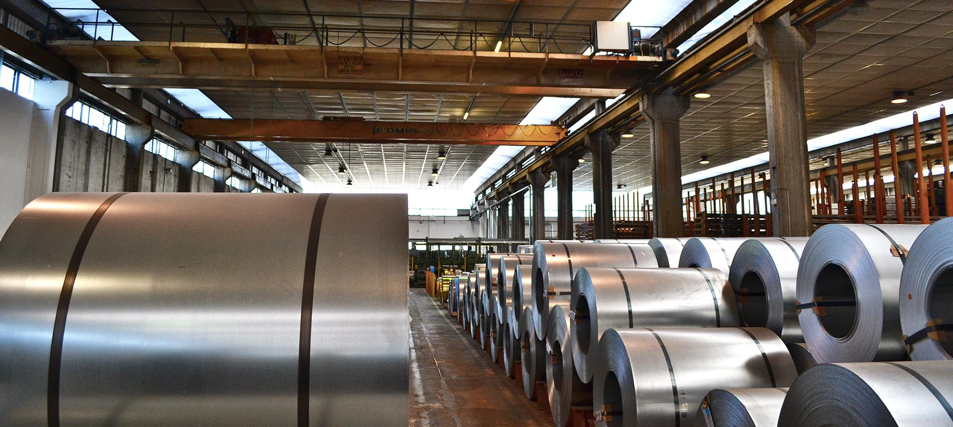 Steel rolls to make the metal systems for windows and doors