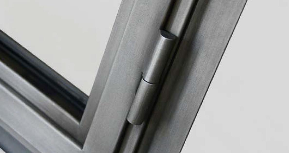 metal hinge