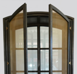 Windows and doors screens: Hinged metal screen model